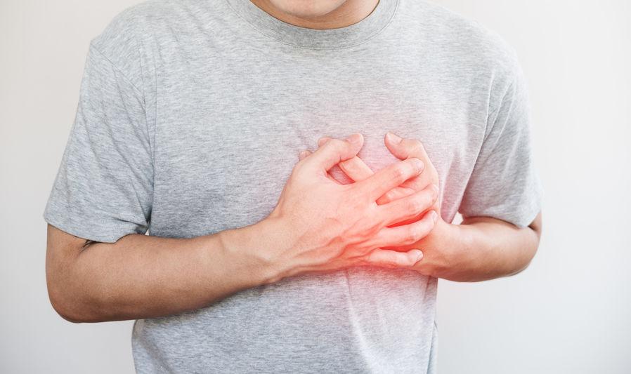 טיפול בכאבים בחזה ותחושת זרם בחזה – סיפור מקרה דיקור וקינזיוטייפינג